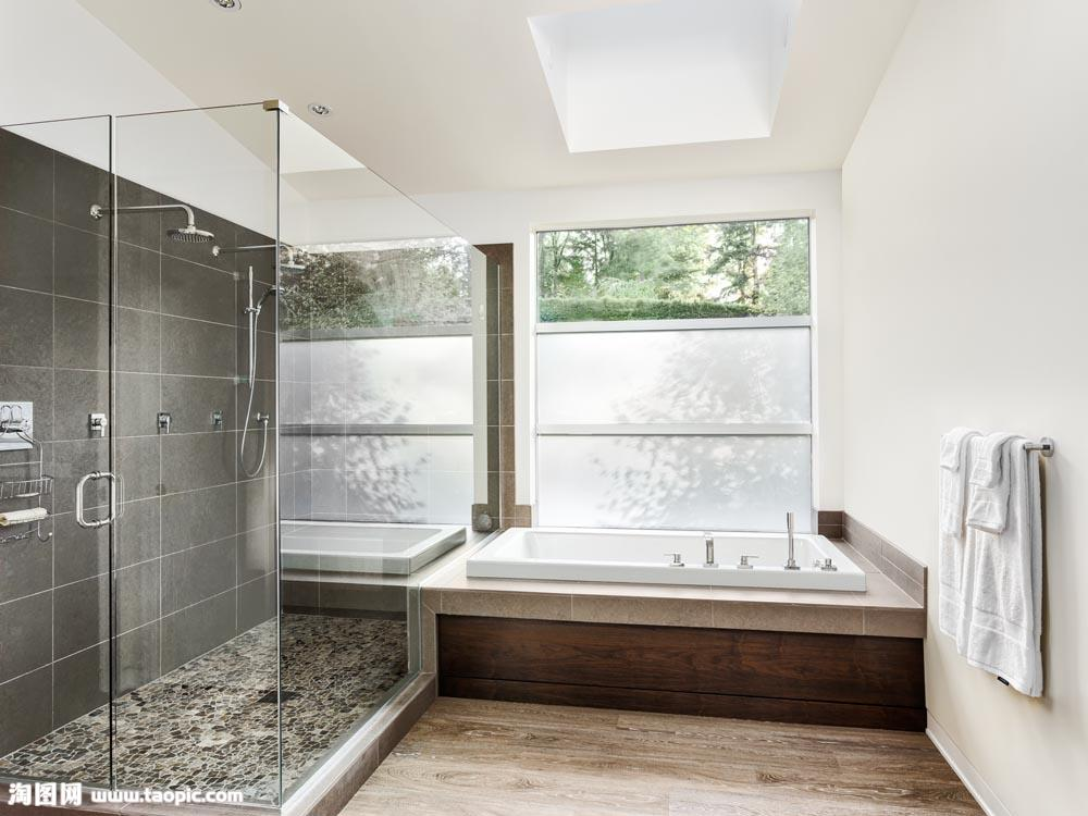 How to Choose the Best Safety Glass for Shower Room?